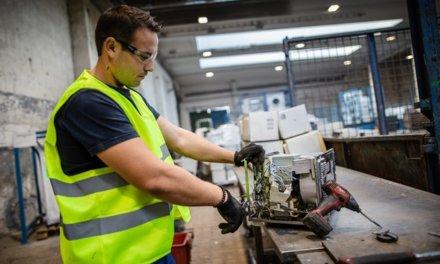 PRAKTIK system otevřel inovativní linku na ekologické zpracování starých lednic, dokáže využít více než 85 % materiálu
