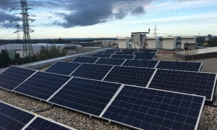 Průzkum EY: jen energie z obnovitelných zdrojů nám uhlíkovou neutralitu nezajistí