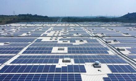 ŠKODA AUTO Volkswagen India Private Limited uvádí do provozu největší střešní solární elektrárnu v Indii