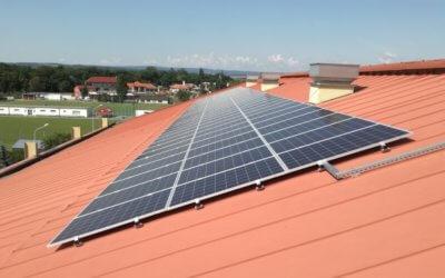 Všem stejným metrem a zdanit velké fotovoltaiky z 2009 a 2010
