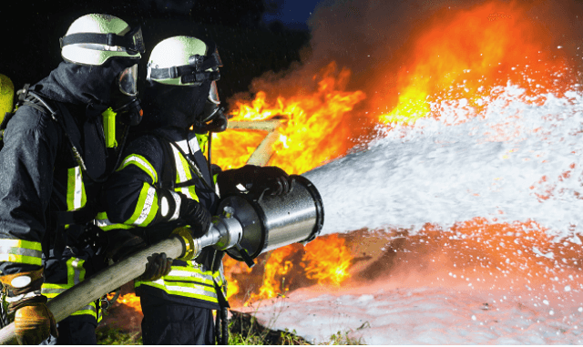 Každým rokem vznikne v ČR více než 3 000 požárů v rodinných a bytových domech