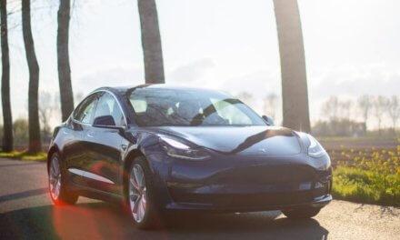 Carsharing HoppyGo nabízí kompletní portfolio elektromobilů Tesla