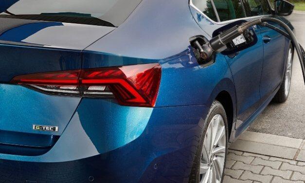 ŠKODA AUTO Česká republika zahajuje provoz služby POWERPASS pro jednoduché dobíjení  elektrifikovaných vozů
