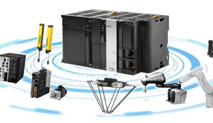 OMRON představuje první integrovanou řídicí jednotku robotu na světě k řízení plně automatizovaných robotických výrobních systémů