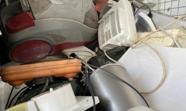 Češi vědí, jaký elektroodpad je nebezpečný: za nejrizikovější považují lednice, mrazáky, úsporné zářivky, televize či monitory