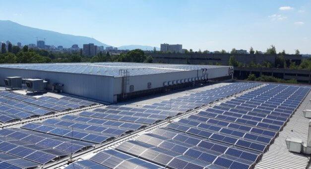 Solární rok 2020: Česká fotovoltaika roste i během pandemie, stále ale nevyužíváme její plný potenciál. Modernizační fond nabízí změnu