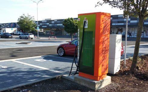 Moravskoslezský kraj: Na stojanech ČEZ pro dobíjení e-aut vzrostly v roce 2020 odběry o více než 10 procent