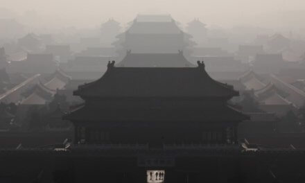 Čína zavádza vlastný systém obchodovania s emisiami