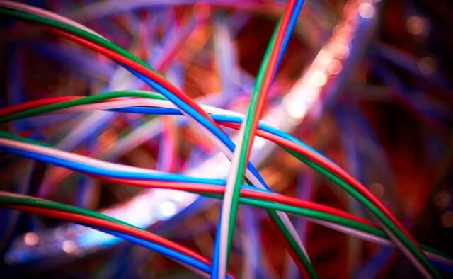 Dva barevné pruhy jako důkaz kvality