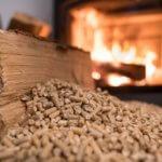 Češi za covidu častěji mění kotle, chtějí topit bez práce. Navýšila se i výroba pelet o 22 %