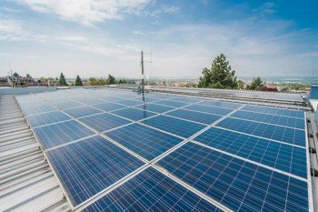 Solar Global otevírá nové technologické centrum v Napajedlech. Plánuje v něm vyvíjet systémy pro akumulaci elektrické energie, pustí se i do vodíku