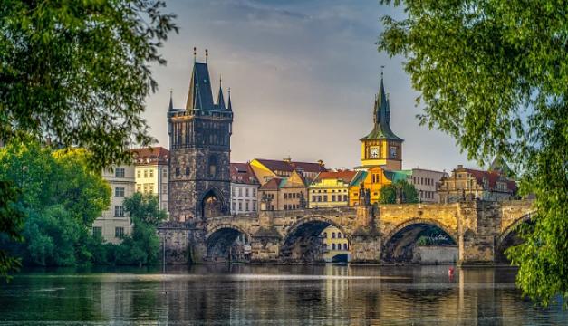 Praha našla cestu k uhlíkové neutralitě. Schválený klimatický plán předpokládá o 45 % méně emisí už v roce 2030