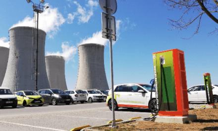 Elektromobilita definitivně vtrhla do Česka. Navzdory pandemii čerpala e-auta v prvním čtvrtletí na stanicích ČEZ o 1/3 více energie