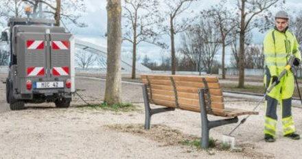 Některá města a obce stále používají při likvidaci plevele jedovaté herbicidy