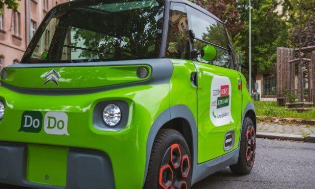 Potenciál elektromobility v logistice je obrovský, cesta k plné elektrifikaci bude ale trnitá. Startup DoDo testoval kompaktní Citroën Ami