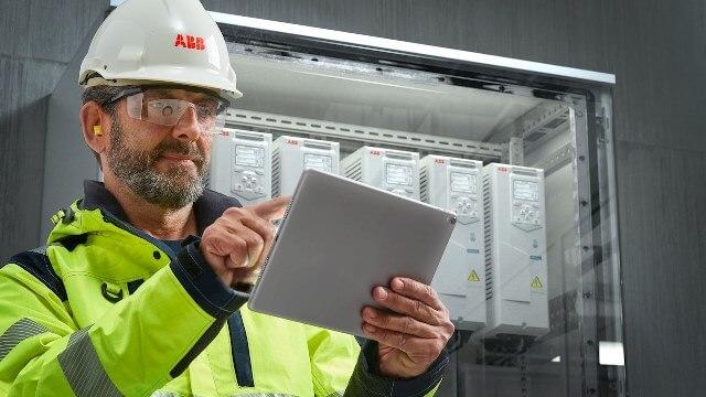 ABB digitalizací šetří těžkému průmyslu miliony